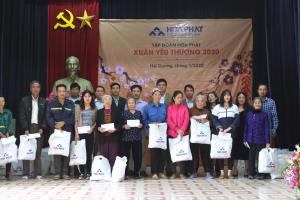 Nội Thất Hòa Phát Tặng 3500 xuất quà tết Vì Người Nghèo